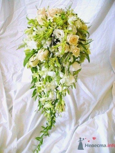 Букет каскадный из роз и орхидей - фото 732 Флорист-дизайнер Екатерина