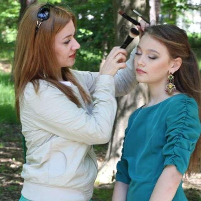Подготовка модели к съемки. .. - фото 5899142 Свадебный визажист-стилист Елена Ладейщикова