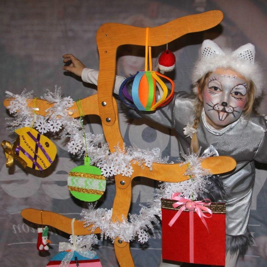Крыска-Лариска и наше Новогоднее дерево! - фото 6060317 Творческий коллектив Огни большого города