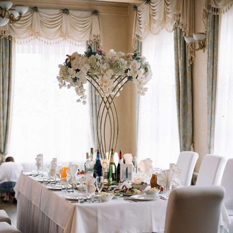 """Цветочные композиции на столы для гостей - фото 19668543 Творческая мастерская оформления """"PONCH"""""""