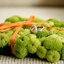 Зелёно-оранжевая подушечка для колец