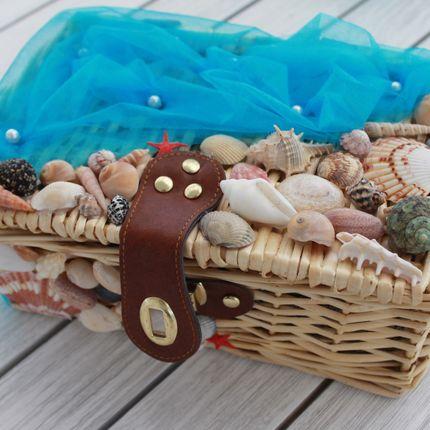 Сундучок для подарков в морском стиле