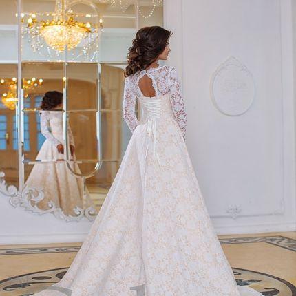 Кружевное свадебное платье в кофейном цвете