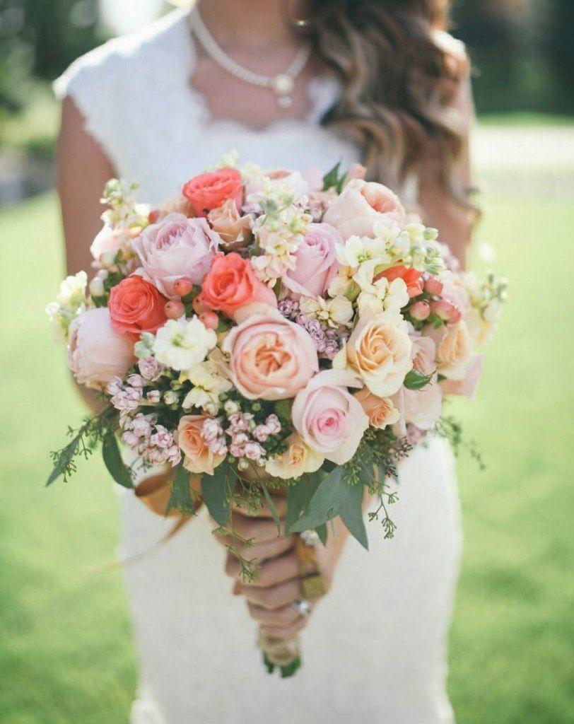 Букет для невысокой невесты фотографии