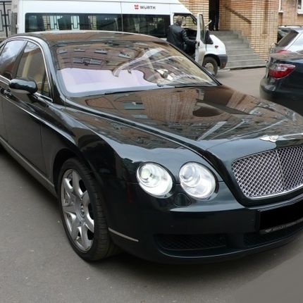 Аренда авто Bentley Continental Flying Spur