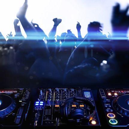 DJ, звуковое и световое сопровождение вечера