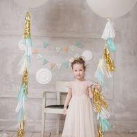 Фотозона для Дня Рождения в греческом стиле Такие шары с гирляндами вы можете закзать у нас