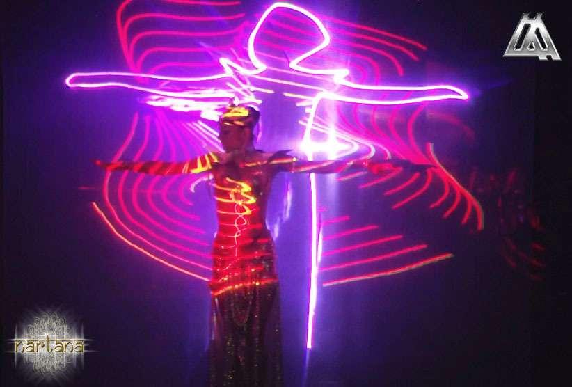 Самое танцевальное среди лазерных, самое лазерное среди танцевальных! Лазерный маппинг танцора. - фото 6867808 Организация шоу 1st Laser Advertising Agency