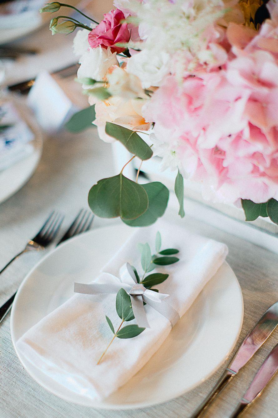 Оформление салфеток цветком