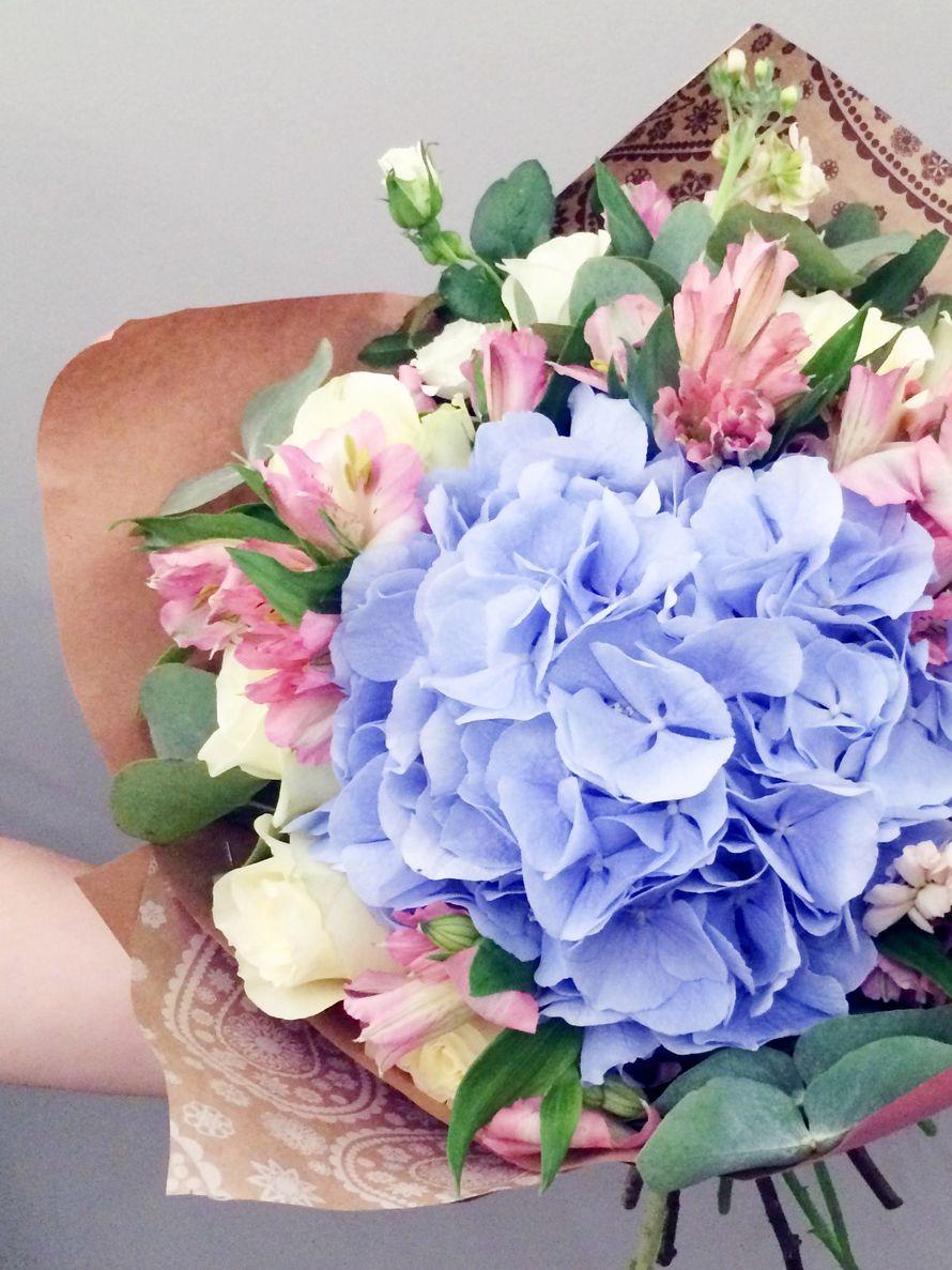 Букет с гортензией и розами фото, каких цветов лучше