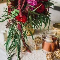 Большое спасибо за фотографии Елене и Алексею!   Декор от студии Enjoy Beauty: - тканевая дорожка на столе - золотые шарики из ротанга  Декоратор: Наталия Соколова