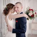 сборы невесты, утро невесты, фотостудия, свадьба в фотостудии, лофт, фотосессия, свадебная фотосессия, красный, белый, синий