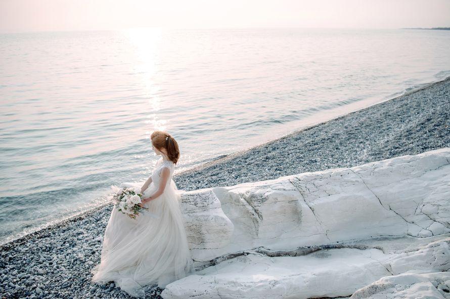 абхазия, свадьба, за границей, свадьба за границей, фотограф, фотограф за границей, свадебный фотограф, стиль, жених, невеста, файнарт, свадьба у моря, море, персиковый, голубой - фото 16450664 Маслова Виктория - фотограф