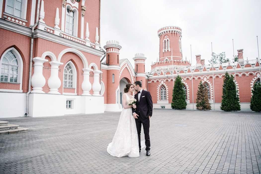 петровский путевой дворец фото свадьбы который возникает