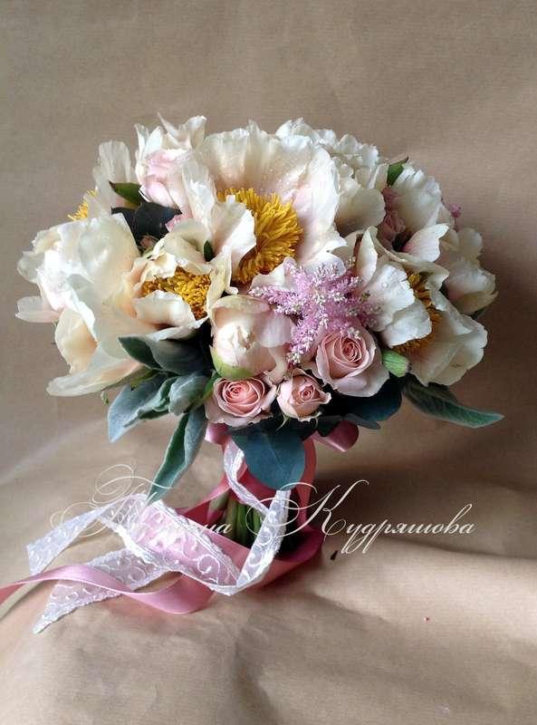 Букет невесты из пионов - фото 2349868 Цветочная мастерская Татьяны Кудряшовой
