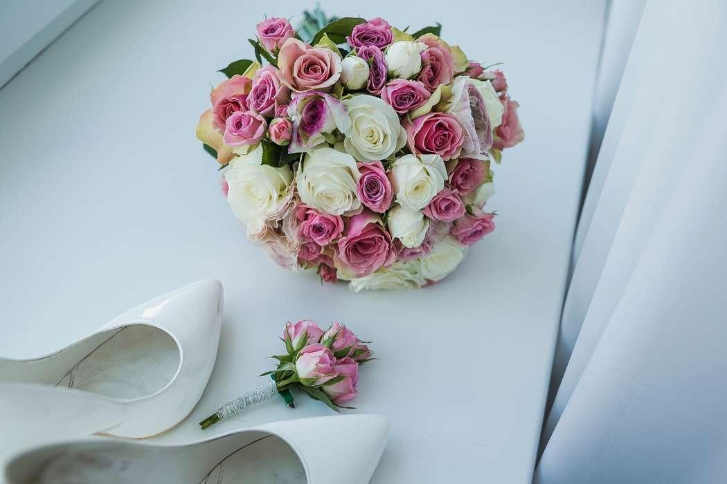Букеты невесты с ранункулюсами, цветы