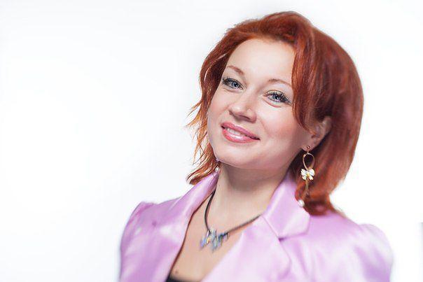 Ведущая - Алёна Сверликова +79525326079 - фото 8891676 Ведущая Алёна Сверликова
