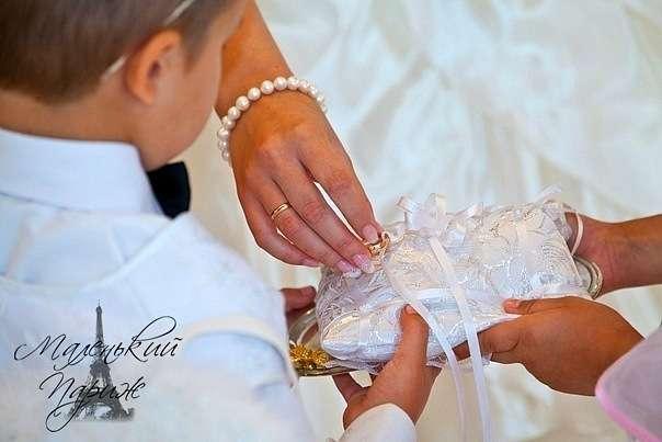Фото 7749992 в коллекции Подушечки для колец - Свадебное оформление Ажур family