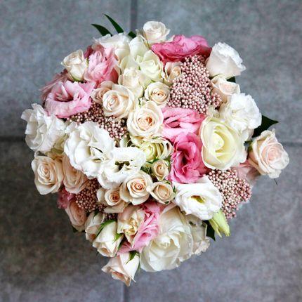 Букет невесты в розовых тонах + бутоньерка в подарок