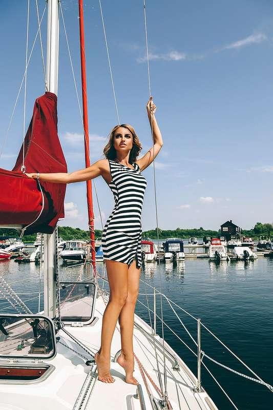 Фото 11880426 в коллекции Аренда парусной яхты с алыми парусами для фотосессий - Аренда яхты Паруса-нн