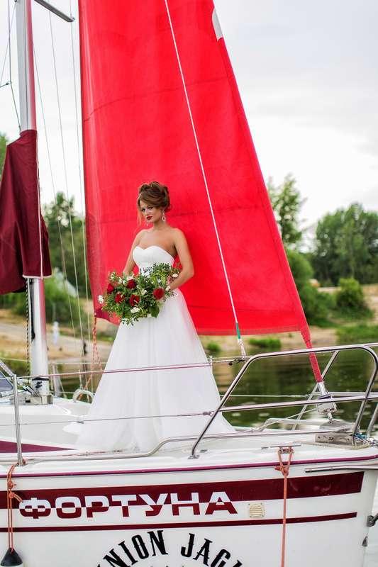 Фото 13907308 в коллекции Аренда парусной яхты с алыми парусами для фотосессий - Аренда яхты Паруса-нн
