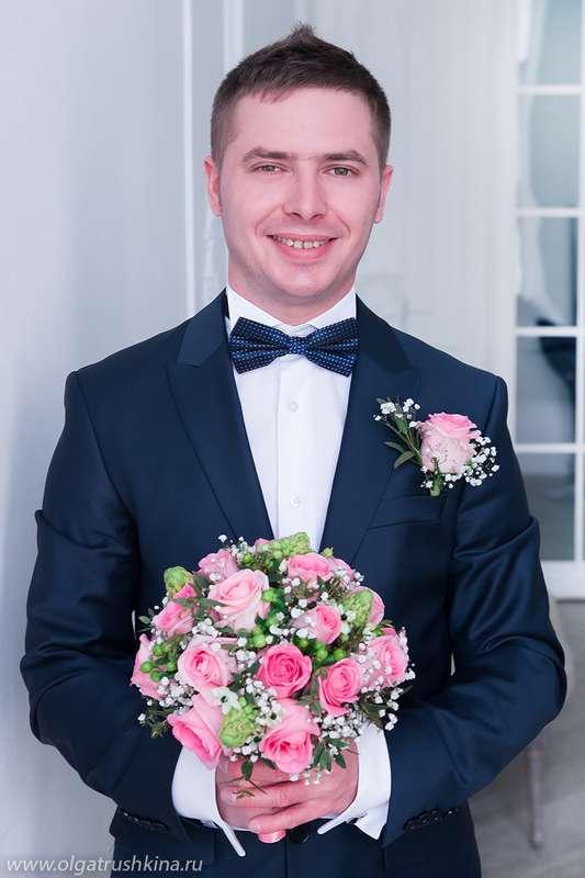 Свадебная фотосъемка в студии, букет невесты, жених - фото 5673865 Фотограф Ольга Трушкина