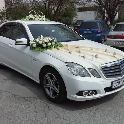Украшения свадебного автомобиля