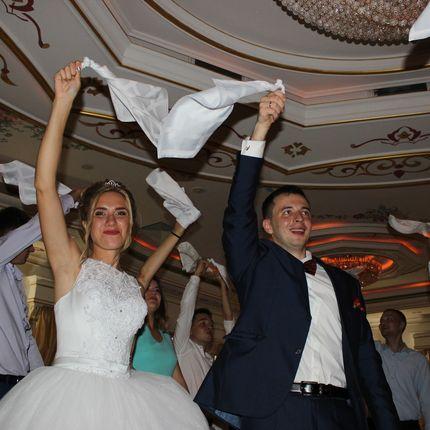 Проведение свадьбы, 5 часов + диджей, 5 часов