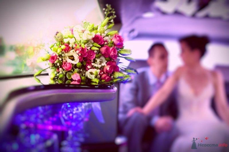 Букет невесты из розовых ярких роз, белых эустом и гипсофилы  - фото 57862 Фотограф Мария Ширяева (KAIOSHK)