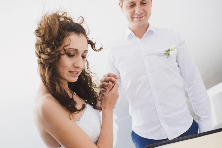 Фото 9612916 в коллекции 16.10.14 - Свадьба Юрия и Марины (о. Санторини) - Фотограф Иван Кузьмичёв