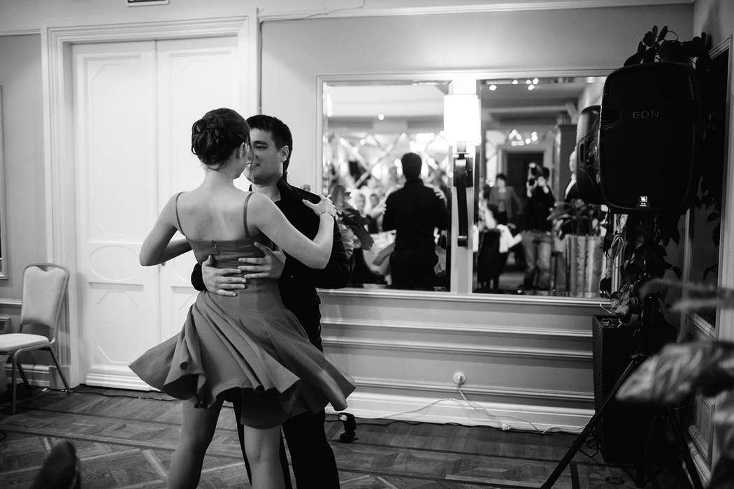 Это сальса, ребята..нереальная, бешеная, страстная сальса Михаила и Надежды - фото 2452429 Свадебный распорядитель, выездной регистратор Ирэм
