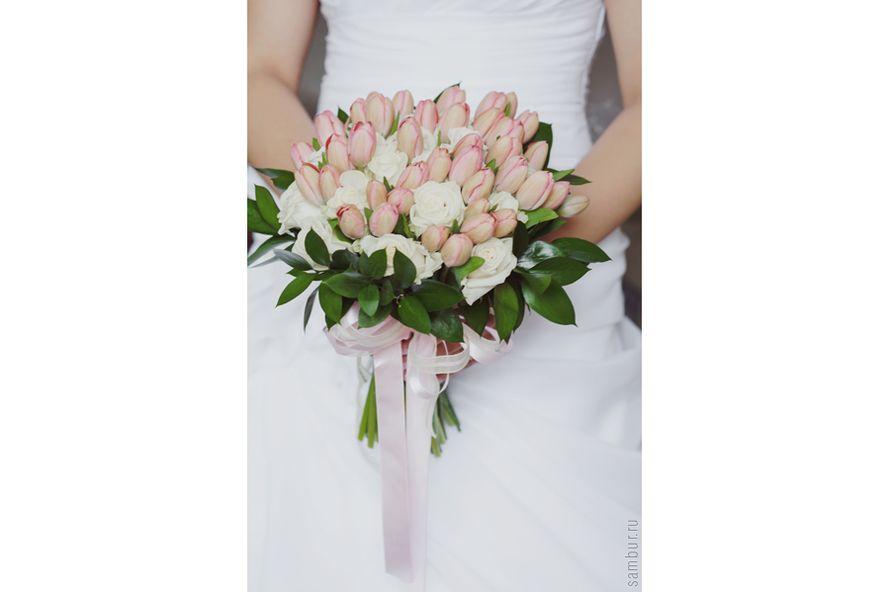 Букет пионов, букет невесты недорого из тюльпаны и розы