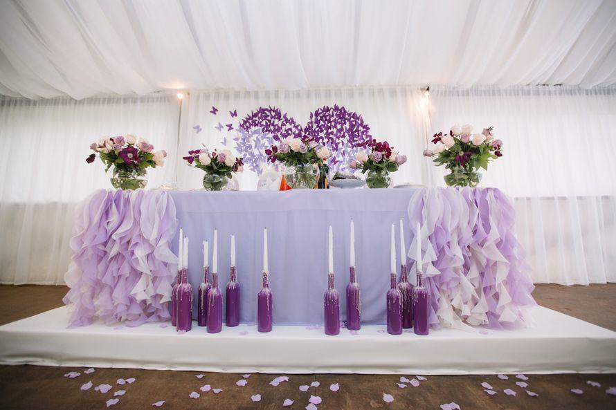 Сам президиум был оформлен шаровидными вазами с цветочными композициями, наделившими праздник особенно уютной атмосферой. Фотограф: Роман Шаец  - фото 15723634 Special Event - студия декора