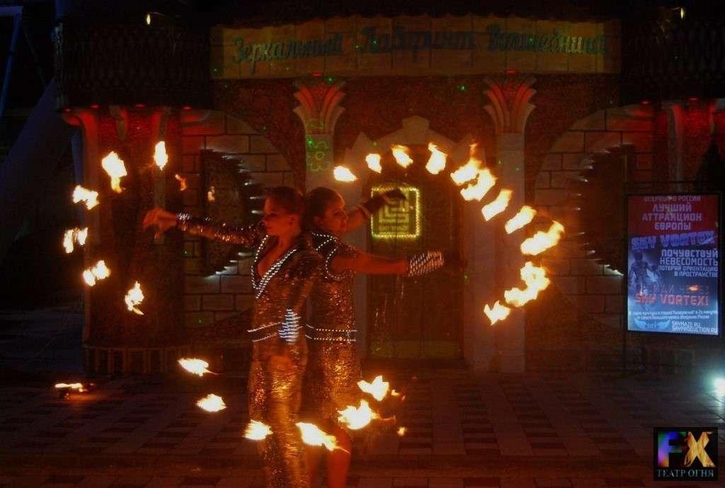 Fire Show / Огненное шоу в Сочи Заказ +7 (967) 642-49-69 - фото 7018470 Театр огня и пластики Fix - фаер шоу