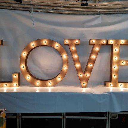 Буквы с лампочками Love, 1,2м