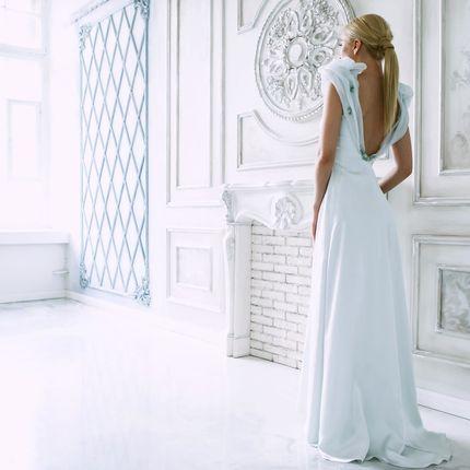Свадебное платье небесно-голубого цвета