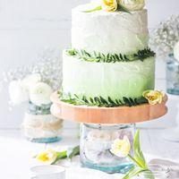 """Свадебный торт, стиль """"Амбре"""". Оформление крем."""