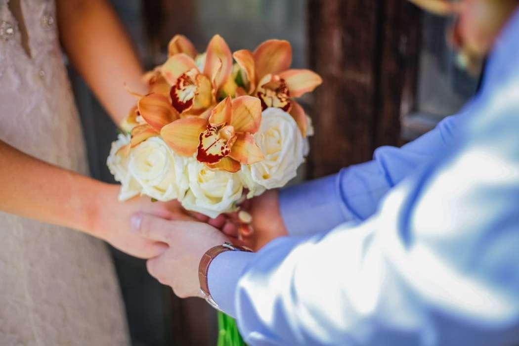 Букет невесты из роз и орхидей за 3500 рублей - фото 10261690 Rosemary floral studio - оформление и декор