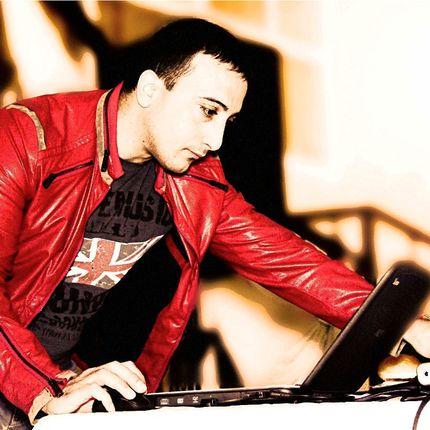 Поющий DJ