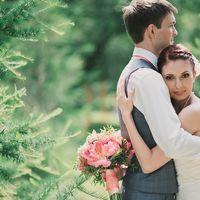 Свадебная фотосессия в персиковых тонах. букет невесты с пионами