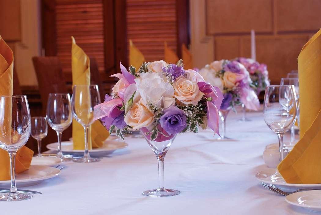 Фото 10487322 в коллекции Оформление стола гостей - Мастерская флористики Wedding planner