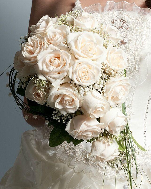 Свадебные букеты из роз кремовых киев, срезанные цветы