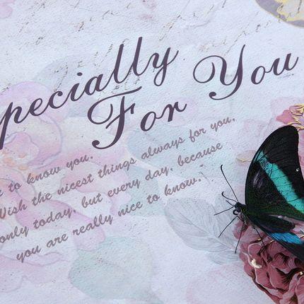 Пригласительная открытка с живой бабочкой