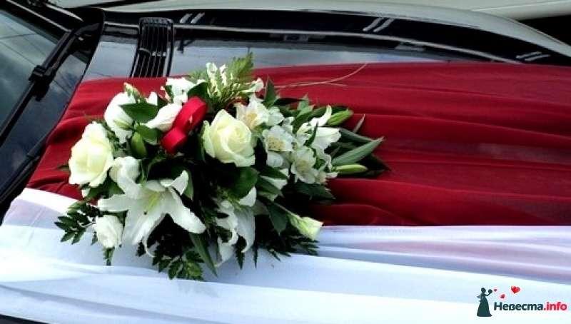 """Композиция на авто - фото 452312 Салон цветов """"Flower's tino"""""""
