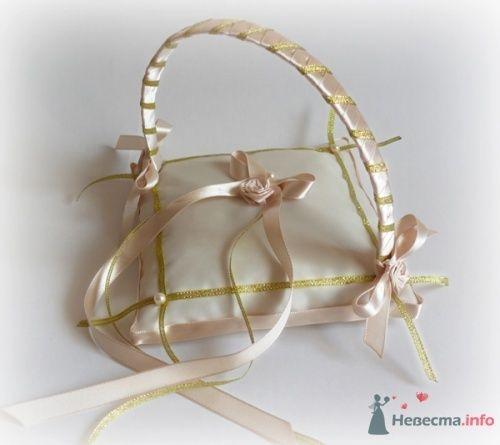 Фото 17049 в коллекции Подушечки для колец - Подружка Невесты - свадебные аксессуары