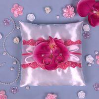 Жемчужная подушечка для колец с розовой орхидеей
