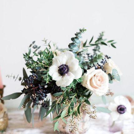 Цветочные композиции на столы молодожёнов и гостей