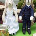 Теперь сладкий стол. Зайцы были сшиты для него. Раз уж я шью кукол, то должна же была я внести свою лепту.