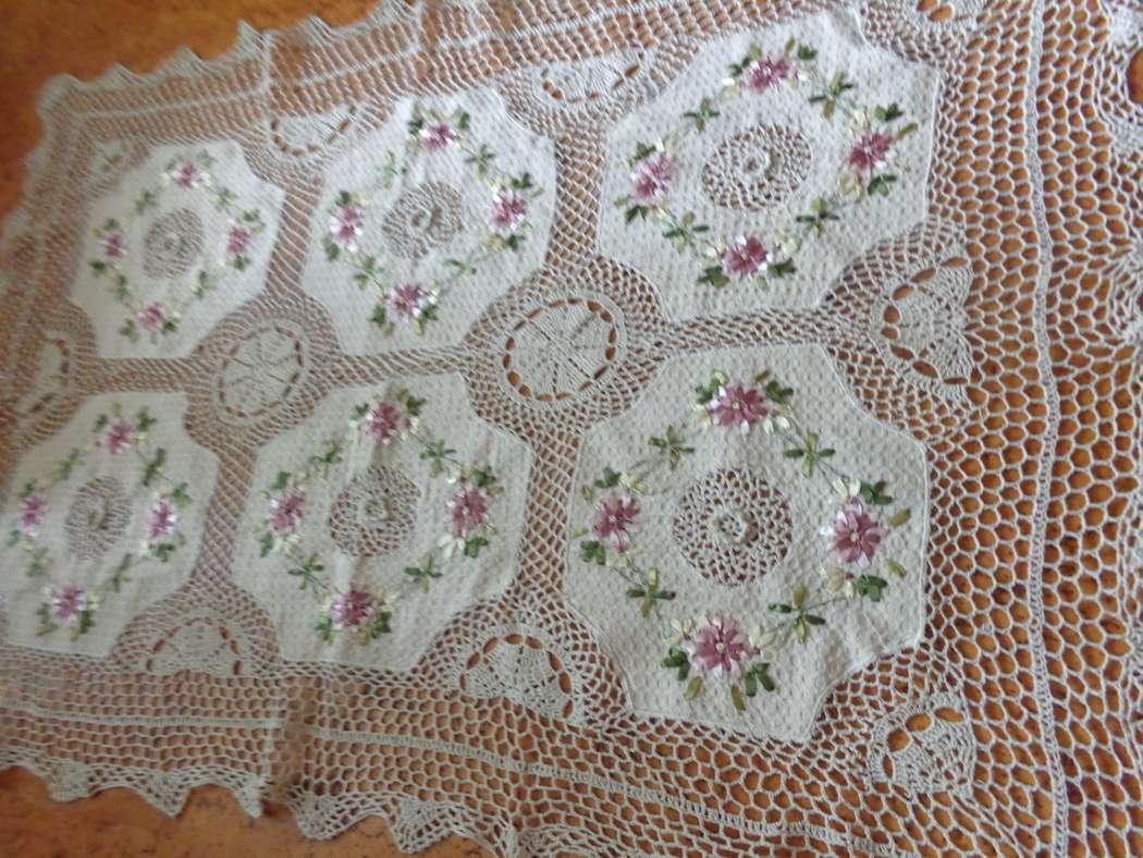 Скатерть льняная вязаная с вышивкой 91