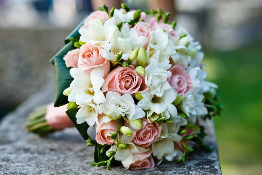 Букет невесты, венки и браслеты для подружек